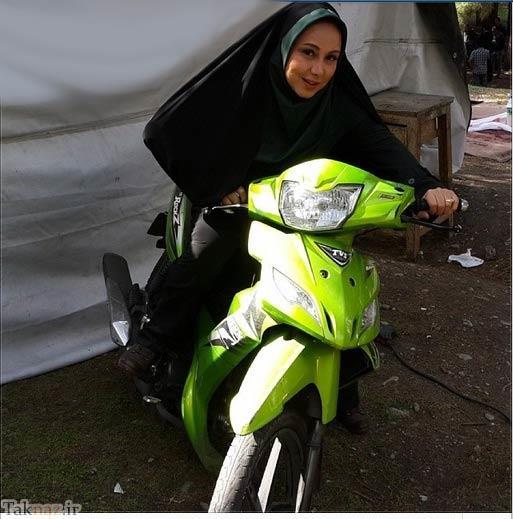 موتورسواری بهنوش بختیاری با پوشش متفاوت